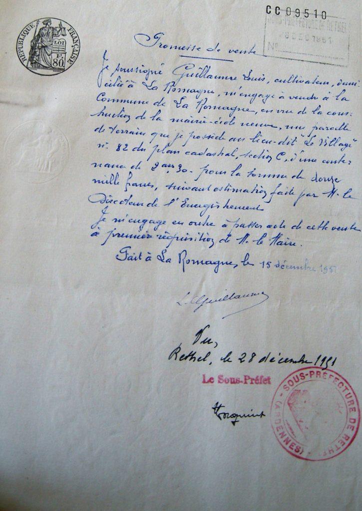 Promesse de vente d'une parcelle de terrain pour la construction de la nouvelle école (mairie de La Romagne, avec l'aimable autorisation de monsieur René Malherbe, maire de la commune).