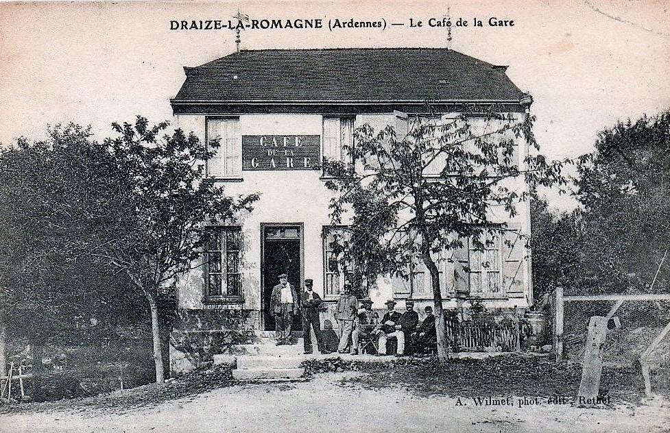 Le café de la Gare de Draize – La Romagne, carte postale ancienne d'Augustin Wilmet, photographe-éditeur à Rethel.