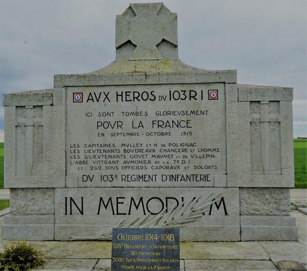 Le monument aux morts d'Aubérive honore le 103e régiment d'infanterie.