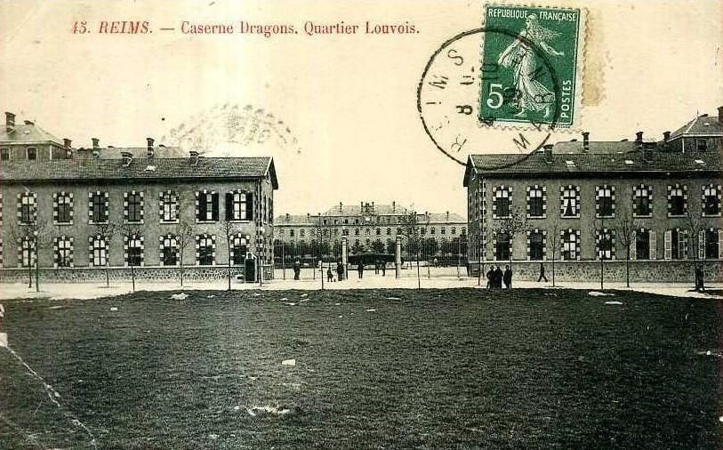 Le 16e régiment de dragons a occupé la caserne Jeanne-d'Arc à Reims jusqu'en 1914.