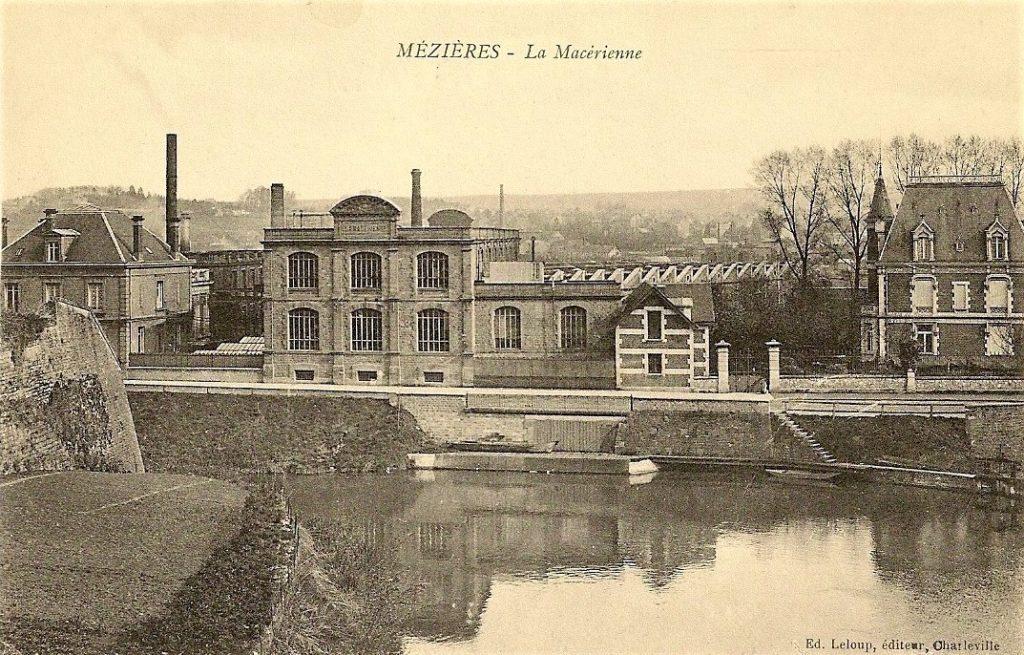La Macérienne, qui tire son nom des habitants de Mézières (dont la commune n'avait pas encore fusionnée avec Charleville), est une des usines Clément Bayard (carte postale ancienne).
