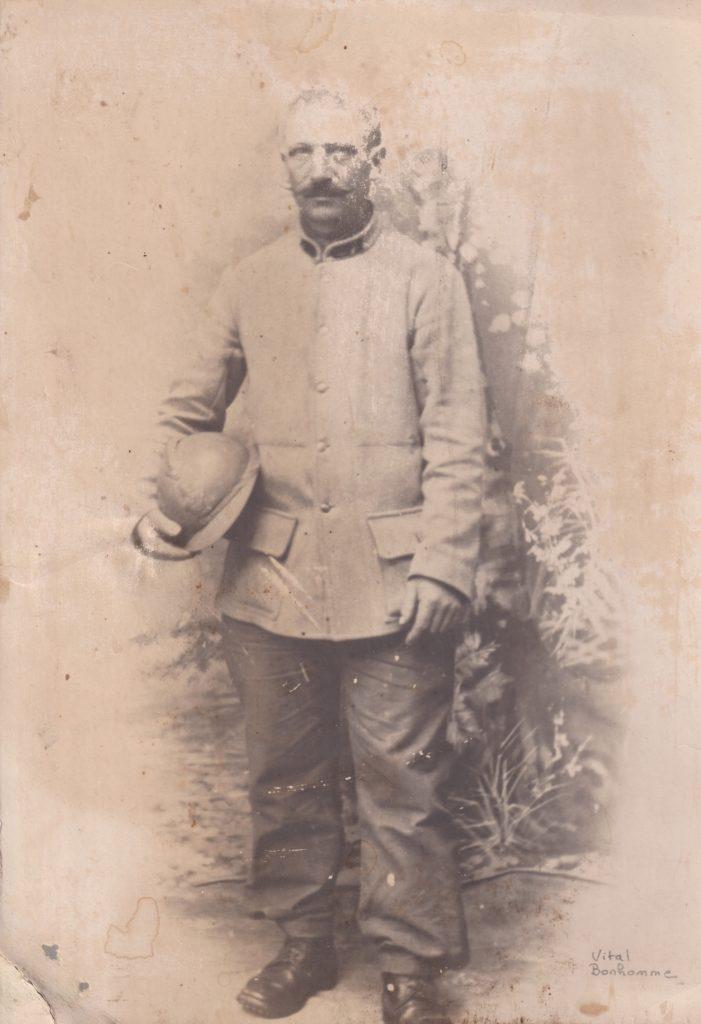 Désiré Vital Bonhomme en tenue de sapeur du génie (collection privée, © 2020 laromagne.info par Marie-Noëlle ESTIEZ BONHOMME).