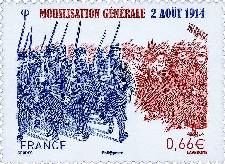 Ce timbre qui commémore la mobilisation générale du 2 août 1914 montre l'abandon de la moisson par les paysans et le défilé des soldats dans les rues.