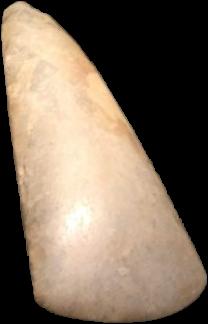 Musée de l'Ardenne (Charleville-Mézières), hache polie néolithique provenant du site de Mairy  (ancienne commune des Ardennes intégrée à Douzy).