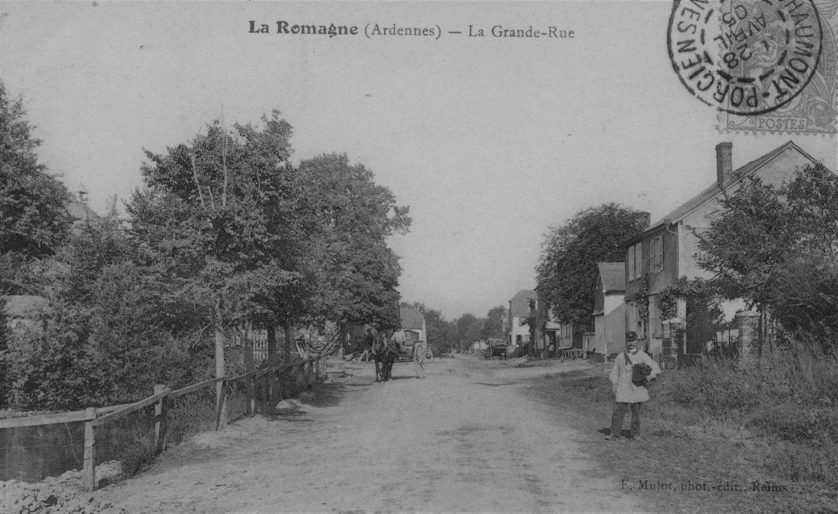 Carte postale représentant la Grande-Rue de La Romagne