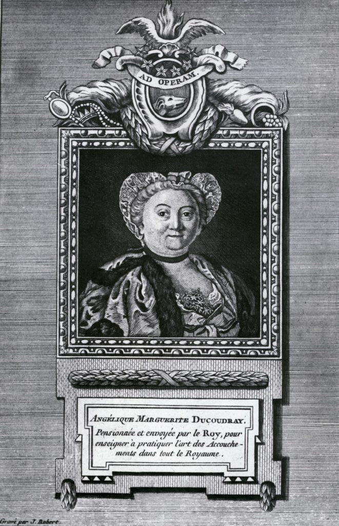 Angélique Marguerite Le Boursier Du Coudray est la première sage-femme à enseigner en public l'art des accouchements. Elle promeut le remplacement des matrones autodidactes par des praticiennes formées.